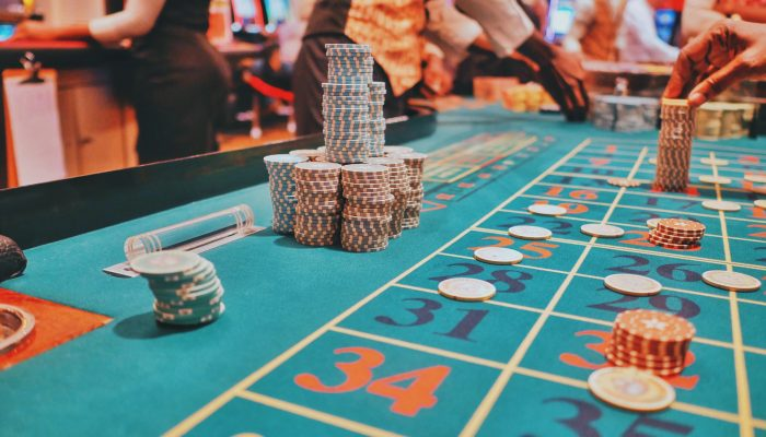Why People Prefer To Play Online Casino Games As Compare To land-based  Casino Games? - Dimassis Buffet
